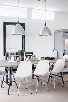 Bring life to your home with this stunning dining room interior design ideas. Dining Room Inspiration, Interior Inspiration, Design Inspiration, Eames Chairs, Eames Dining, Lounge Chairs, Scandinavian Home, Industrial Scandinavian, Scandinavian Lighting