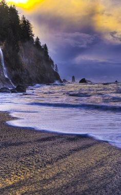 Olympic National Park | Travel | Vacation Ideas | Road Trip | Places to Visit | Port Angeles | WA | Monument | Tourist Attraction | Beach | National Park | Nature Reserve | Forest | Hiking Area | Scenic Point