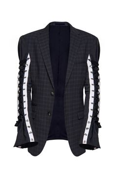 Find in our collection creative reinterpretations of the classic jackets. Add a black leather belt for a hourglass-like silhouette. Oversized Jacket, Black Leather Belt, Blazer, Suits, Detail, Sleeves, Jackets, Collection, Fashion