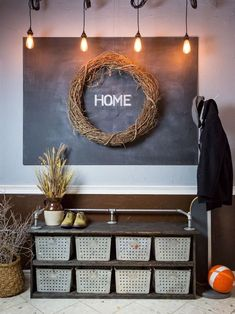 Bare Lightbulbs hanging down on industrial entryway design via hgtv Diy Rustic Decor, Rustic Design, Diy Storage Bench, Storage Ideas, Shoe Storage, Cheap Home Decor, Diy Home Decor, Piercing Industrial, Living Room Ornaments