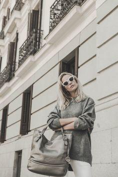 La cantante y modelo, Brisa Fenoy, con Mod. Donna en c/ Antracita