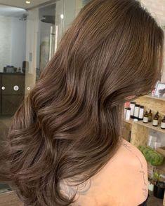 Brown Hair Shades, Light Brown Hair, Light Hair, Honey Brown Hair, Korean Hair Dye, Brown Hair Korean, Hair Color For Morena Skin, Hair Color Asian, Hair Color For Spring
