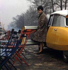 Bilderstrecke zu: Das Kultauto Citroën DS wird 60 Jahre alt - Bild 11 von 15 - FAZ Citroen Ds, Retro Cars, Vintage Cars, Vintage Photos, Manx, Colouring Pics, Car Girls, Vintage Glamour, Motor Car