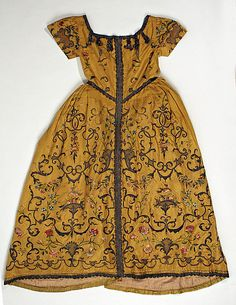 Vestment (Child's Christening robe?), ca. 1725, American or European, silk, embroidered. (c) Metropolitan Museum of Art