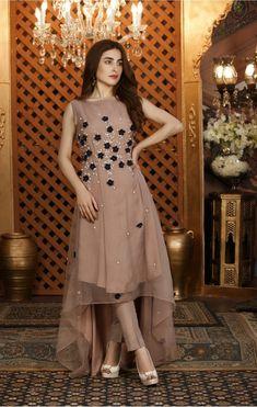 Indian Designer Dresses for Wedding Party Wear Indian Dresses, Pakistani Fashion Party Wear, Designer Party Wear Dresses, Pakistani Dresses Casual, Indian Fashion Dresses, Kurti Designs Party Wear, Pakistani Bridal Dresses, Dress Indian Style, Pakistani Dress Design