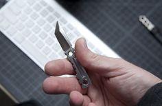 I love tiny knives lol