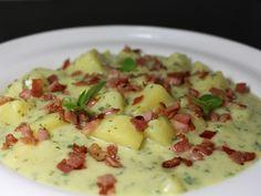 Sajtos, bazsalikomos burgonyafőzelék recept. Válogass a többi fantasztikus recept közül az Okoskonyha online szakácskönyvében!