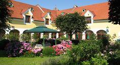 Booking.com: Das Römerstein - Wohlfühlhotel - Loipersdorf, Ausztria