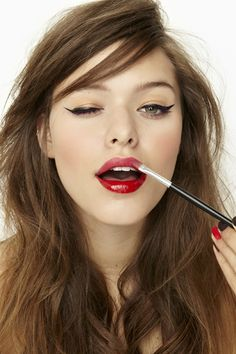 red lips w/ winged eyes!!