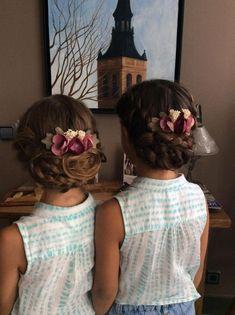 27 Peinados Recogidos para Primera Comunion Posadas Flower Girl Updo, Flower Girl Hairstyles, Little Girl Hairstyles, Girls Hairdos, Side Bun Hairstyles, Fancy Hairstyles, Wedding Hairstyles, Updo Hairstyle, Bridesmaid Hair Tutorial
