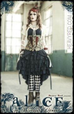 Alice en Splendeur Dément, the limited edition Couture Noir costume by Heavy Red.
