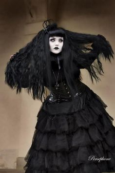 Neo-Victorian #Goth girl showcasing her black mane