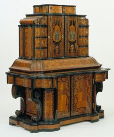 Writing Cabinet, Jacob Arend, 1716. | Victoria and Albert Museum