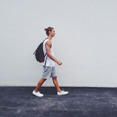Richy Koll - Vans Sneakers, H&M Short Pants, H&M Vintage Shirt, Hurley Bag - ⚡️