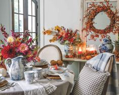 Southern Ladies, White Decor, Tablescapes, Tea Time, Table Settings, Autumnal, Blue And White, Table Decorations, Holiday