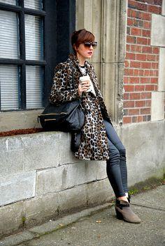 leggings & long coat