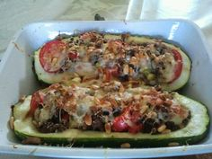 Uit Mijn Keukentje: Italiaanse courgette uit de oven Healthy Cooking, Cooking Recipes, Healthy Recipes, Cooking For Dummies, Mozarella, Bio Food, Low Carb Dinner Recipes, Happy Foods, Family Meals
