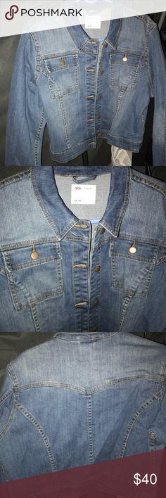 ‼️SALE‼️Asos cropped denim jacket NWOT asos Denim jacket medium wash ❤️MAKE ME AN OFFER❤️ ASOS Jackets & Coats Jean Jackets