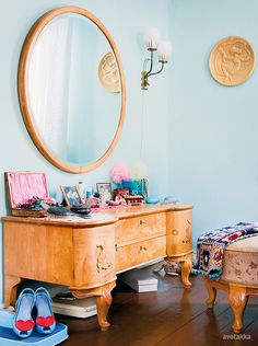 Dressing table with aqua & pink flourishes and a dash of granny chic #dressing_room #granny_squares #vanity