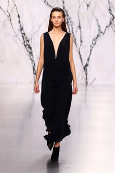 See by Chloé Parigi - Collections Fall Winter - Shows - Vogue. I Love Fashion, Fashion Show, Fashion Design, Fashion Trends, V Neck Black Dress, Paris Mode, See By Chloe, Catwalk, Ready To Wear