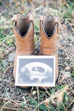 100 Pregnancy Announcement Ideas | Tiny Prints #pregnancyannouncementgonewrong,