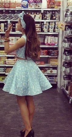 Ariana Grande is rocking this vintage style outfit Ariana Grande Fans, Ariana Grande Pictures, Cute Dresses, Cute Outfits, Ariana Grande Outfits Casual, Dangerous Woman, Queen, Teen Fashion, Fashion Clothes