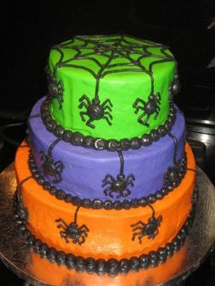 Creepy crawly spiders! By Stacybugg75 on CakeCentral.com