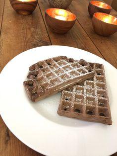 Heute gibt es das perfekte Rezept, um die Adventszeit einzuläuten: Schokoladen-Lebkuchen-Waffeln! Die Waffeln sind schön saftig und sch...