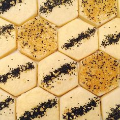 We've got a hive mentality  with these gold and black shimmer sugar hexagons. You can bake them soon too! #makebakeit