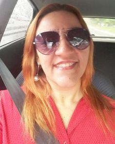 (27.10 - vermelho) Bom dia povo lindo, ainda acostumo a tirar selfie... rs  . #desafioprimeira #umafotopordia #desafiofotográfico #desafiofotografico #bomdia #work #job #pénaestrada #pelomundo #selfie #pernambuco