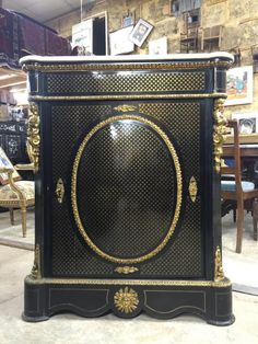 impressionnant meuble dappui boulle napolon iii mdaillon bronze boullecharles andre pinterest napoleon antique furniture and antique safe