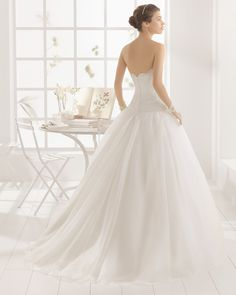 MIMBRE vestido de novia  en organza y bordado pedreria.