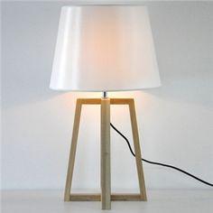 Tischleuchte Holz Gestell Konus Design Weiß