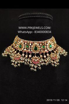 Indian Jewelry Sets, Bridal Jewelry Sets, Diamond Jewelry, Gold Jewelry, Rajputi Jewellery, Emerald Necklace, Chocker, Gold Jewellery Design, Siri