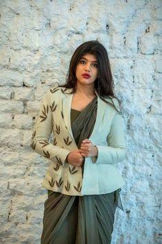 Dhoti Saree, Banarasi Lehenga, Saree Dress, Saree Jacket Designs, Saree Blouse Patterns, Blouse Neck Designs, Indian Fashion Trends, India Fashion, Ethnic Fashion