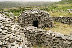 beehive hut clochán, Dingle Peninsula, Ireland