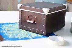 Reciclar cajas de cartón con chalk paint en spray
