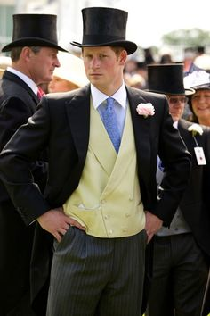 Prince Harry wears a top hat and mourning suit in the Royal Enclosure at The Epsom Derby - June 2011 Prince Harry Of Wales, Prince William And Harry, Lady Diana, Prince Charles, Diana Spencer, Duke And Duchess, Duchess Of Cambridge, Meghan Markle, Stylish Men