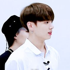 The bunny is curious♡Baby Bunny♡♡정국 오빠♡
