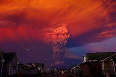 volcano-eruption-calbuco-chile - http://www.ijreview.com/2015/04/304650-just-happened-called-devastating-breathtakingly-beautiful/?utm_source=facebook&utm_medium=organic&utm_conten