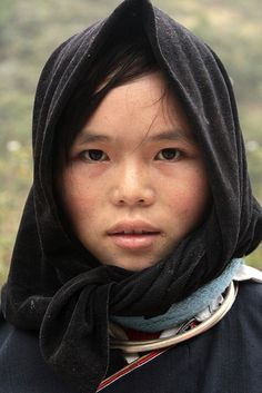 Nung girl. Cultural characteristics: The Nung inhabit the far northeastern provinces near the Chinese border.