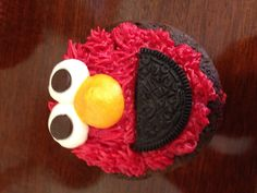 This would be great for my nephew Deremy's 2nd Birthday Party....Elmo cupcakes