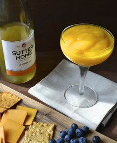 Mango Mascato Smoothie AKA the best thing that has happened all summer long! Two ingredients! (Two Ingredients Summer) Party Drinks, Wine Drinks, Cocktail Drinks, Cocktail Recipes, Alcoholic Drinks, Sangria Recipes, Juice Recipes, Limoncello Cocktails, Cheese