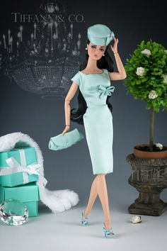 Tiffany Blue Barbie Doll - gotta get this for my daughter Fashion Royalty Dolls, Fashion Dolls, Fashion Outfits, Tiffany & Co., Tiffany Outlet, Tiffany Party, Poppy Parker, Hans Christian, Barbie Collection