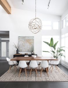 Gorgeous 30 Modern Minimalist Dining Room Design Ideas for Comfortable Dinner Wi. - - Gorgeous 30 Modern Minimalist Dining Room Design Ideas for Comfortable Dinner With Your Family – DECOOR Home Design, Decor Interior Design, Design Ideas, Modern Interior, Minimalist Home Interior, Minimalist Furniture, Design Styles, Minimalist Style, Scandinavian Interior