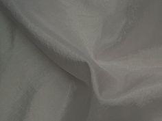 Hightech (Sombra). Tecido leve, com brilho acetinado, superfície com suave efeito de amassado. Ideal para looks festa.  Sugestão para confeccionar: vestidos de festa, saias, blusas, entre outros.