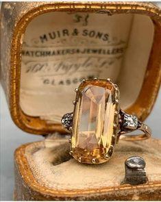 I Love Jewelry, Jewelry Art, Fashion Jewelry, Jewelry Design, Victorian Jewelry, Antique Jewelry, Vintage Jewelry, Bijoux Art Nouveau, Topaz Ring