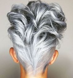grijs haar These 25 Silver and Platinum Looks Will Have You on Cloud Nine - Hair Color - Modern Salon Curly Hair Styles, Natural Hair Styles, Grey Hair Styles For Women, Cool Hair Color, Hair Highlights, Silver Highlights, Natural Highlights, Balayage Hair, Short Hair Cuts