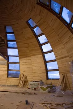 Mud House, Tiny House Living, Prefabricated Structures, Earth Bag Homes, Dome Structure, Geodesic Dome Homes, Green House Design, Dome House, Natural Building