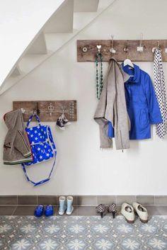Hallway - DIY Coat rack (Portuguese tiles by sabine burkunk - tiles from www. Hallway Decorating, Decorating On A Budget, Old Door Knobs, Door Handles, Diy Coat Rack, Coat Hanger, Diy Rack, Small Hallways, Under Stairs